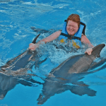 Tourist gets dolphin fin ride Mexico