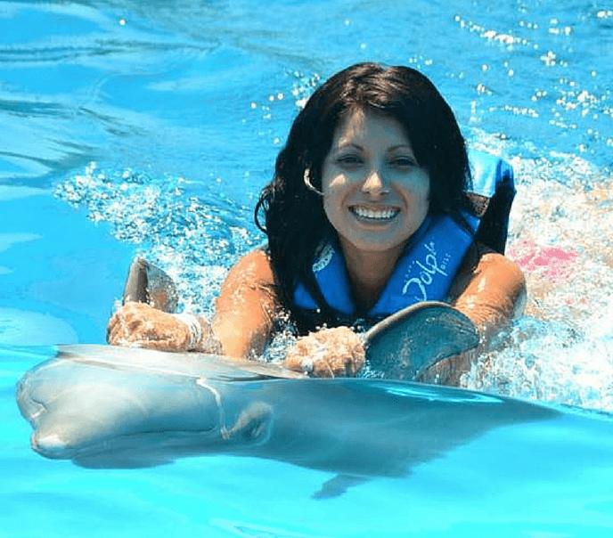 Beauty and Dolphin Mexico