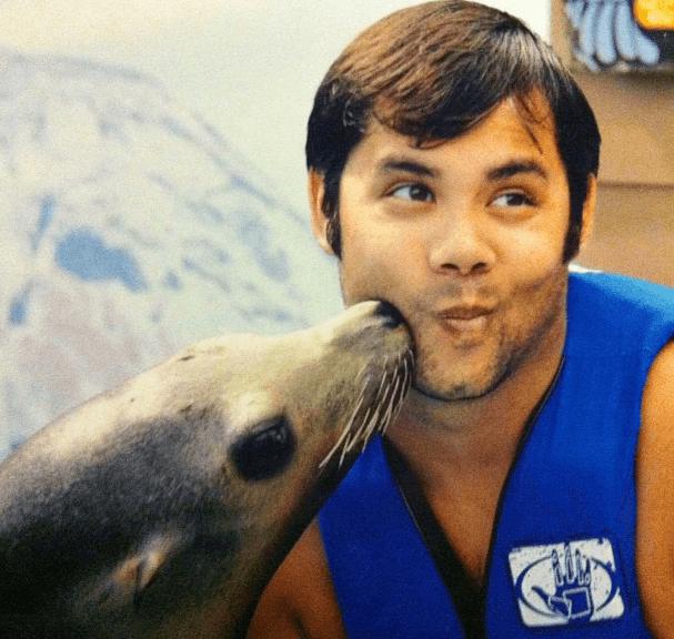 Sea Lion Kiss in Oahu
