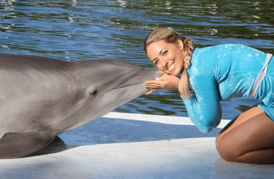 Florida Keys Meet and Greet Kissing dolphin